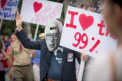 Bernie Supporters bij Konijnenveldvt vierde van Juli-Parade Stock Fotografie
