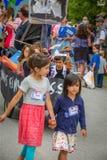 Bernie Supporters på kaningårdVT 4th Juli ståtar Royaltyfri Bild
