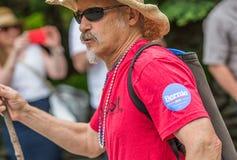 Bernie Supporters på kaningårdVT 4th Juli ståtar Arkivfoton