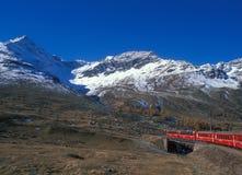Berninapass en la guarida Engadiner Alpen Bernina-paso en el Al suizo Foto de archivo libre de regalías