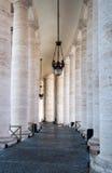Bernini-Kolonnade, Vatikan Stockbilder