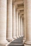 Bernini kolumnada w piazza San Pietro w Watykan, Rzym zdjęcia stock