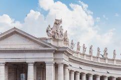 Bernini kolumnada w Rzym piazza San Pietro w Włochy obrazy stock