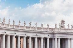 Bernini kolumnada w Rzym piazza San Pietro w Włochy zdjęcie stock