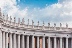 Bernini kolumnada w Rzym piazza San Pietro w Włochy fotografia stock