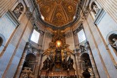 Berninis Cathedra Petri och Gloria, Vaticanen, Italien Arkivbild