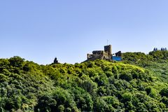 Bernkastel-Kues stad på Mosellen arkivbild
