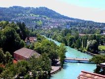 Bernstadslandskap med den Aare flodschweizaren, Bern Arkivfoton