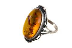 Bernsteinfarbiger Ring Stockfoto