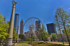 Beroemd Atlanta van de binnenstad in een blauwe hemeldag, royalty-vrije stock afbeeldingen