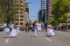 Beroemd Cinco de Mayo Parade royalty-vrije stock foto's