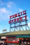 Beroemd de marktteken van de Snoekenplaats in Seattle stock fotografie