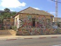 Beroemd die huis met graffity Tel Aviv, Israël wordt geschilderd stock afbeelding