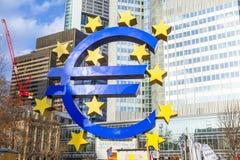 Beroemd euro teken in Frankfurt am Royalty-vrije Stock Foto's