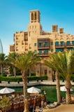 Beroemd hotel en toeristendistrict van Madinat Jumeirah Royalty-vrije Stock Foto's