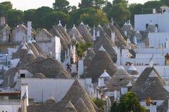 Beroemd Italiaans oriëntatiepunt, trulli van Alberobello, Apulian-gebied, stock foto's