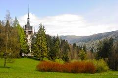 Beroemd koninklijk Peles-kasteel, Sinaia, Roemenië Royalty-vrije Stock Fotografie