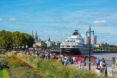 Beroemd Nederlands cruiseschip Prinsendam in Bordeaux, Frankrijk stock fotografie