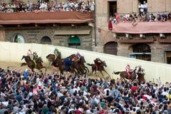 Beroemd paardenkoers` Palio Di Siena ` Royalty-vrije Stock Afbeeldingen