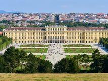 Beroemd Schonbrunn-Paleis in Wenen, Oostenrijk stock foto