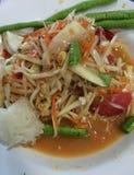 Beroemd Thais voedsel, papajasalade of wat wij Somtum in Thai noemden Stock Foto's