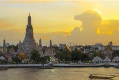 Beroemd Wat Arun stock foto's