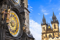 Beroemde astrologische klokken in Praag stock fotografie