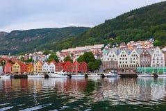 Beroemde Bryggen-straat in Bergen - Noorwegen Stock Foto
