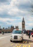 Beroemde cabine op een straat in Londen Royalty-vrije Stock Afbeelding