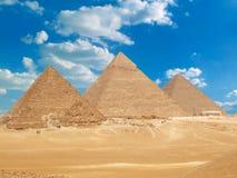 Beroemde Egyptische piramides Stock Foto's