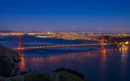 Beroemde Golden gate bridge-mening van Marin Headlands bij zonsondergang, S stock fotografie