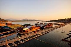 Beroemde houten monbrug Royalty-vrije Stock Foto's