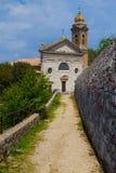 Beroemde kerk in Montalcino (Toscanië, Italië) stock foto