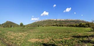 Beroemde montagne sainte Victoire bij chateauneuf le Rouge Royalty-vrije Stock Foto