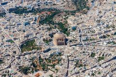 Beroemde Mosta-Koepel, Rotonde van Mosta, de Basiliek van de Veronderstelling van Ons DameMary satellietbeeld Roman Catholic Pari royalty-vrije stock fotografie