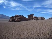 Beroemde rotsvorming arbol DE piedra in Boliviaanse altiplanowoestijn Royalty-vrije Stock Foto