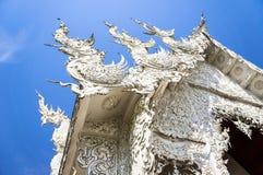 Beroemde witte kerk in Wat Rong Khun Royalty-vrije Stock Afbeeldingen