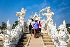 Beroemde witte kerk in Wat Rong Khun Stock Foto