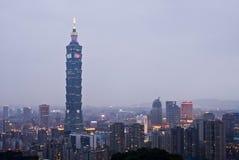 Beroemde wolkenkrabber 101 en gebouwen in Taipeh Stock Afbeelding