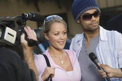 Beroemdheidspaar en Paparazzi Royalty-vrije Stock Afbeelding