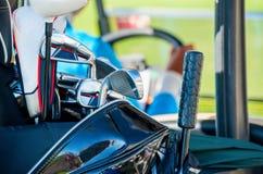 Überprüfen Sie bitte mein Portefeuille auf sportlicheren Abbildungen Tasche mit Golfclubs Lizenzfreies Stockfoto
