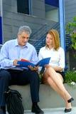 Überprüfung der Verkaufsunterlagen Lizenzfreie Stockbilder