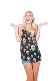 Überraschte Frau im Schädelt-shirt Lizenzfreie Stockbilder