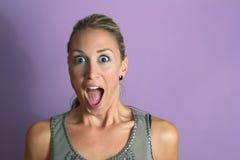 Überraschtes hübsches Mädchen Lizenzfreie Stockfotos