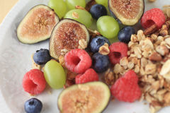 Berries and figs with granola Royalty Free Stock Photos