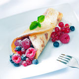 Berry pancake sprinkled with sugar Stock Photography