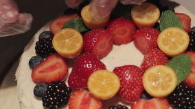 Berry Strawberry Cake Decoration arkivfilmer