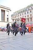 Bersaglieri, das in amtliche Parade grenzt Stockfoto