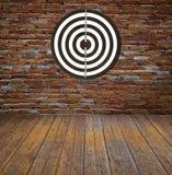 Bersaglio sul muro di mattoni immagine stock libera da diritti
