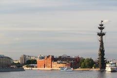 Bersenevskaya堤防和红色10月制造,莫斯科 免版税库存图片